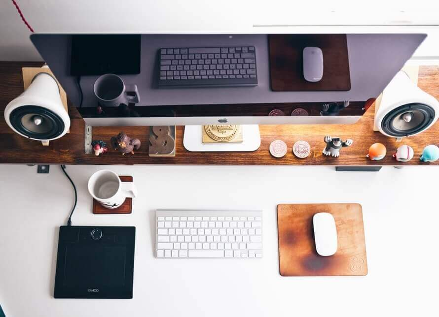 apple-desk-designer-display-large